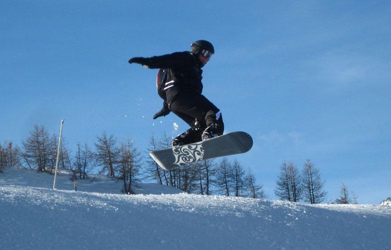 collegio–maestri-di-sci-liguria-corso-snowboard